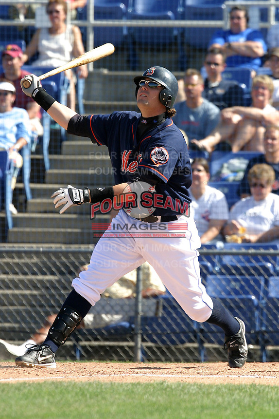 September 5, 2005:  First Baseman Brett Harper of the Binghamton Mets during a game at Jerry Uht Park in Erie, PA.  Binghamton is the Eastern League Double-A affiliate of the New York Mets.  Photo by:  Mike Janes/Four Seam Images