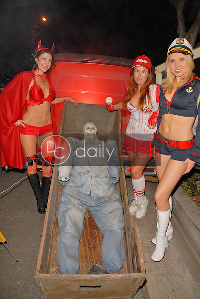 Jamie Carson, Lisa Cash and Alana Curry<br />