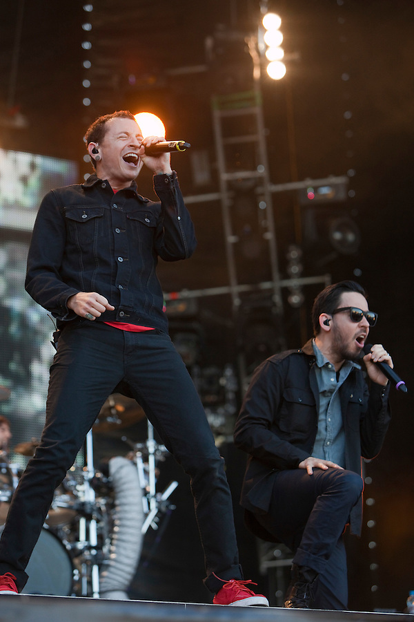 Moscow, Russia, 23//06/2011..Chester Bennington and Mike Shinoda of American band Linkin Park perform by Red Square to mark the world premiere in Moscow of the new Michael Bay movie Transformers: Dark Of The Moon.
