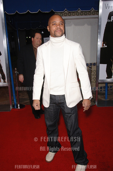 "CUBA GOODING JR at the world premiere of ""The Pursuit of Happyness"" at the Mann Village Theatre, Westwood..December 7, 2006  Los Angeles, CA.Picture: Paul Smith / Featureflash"