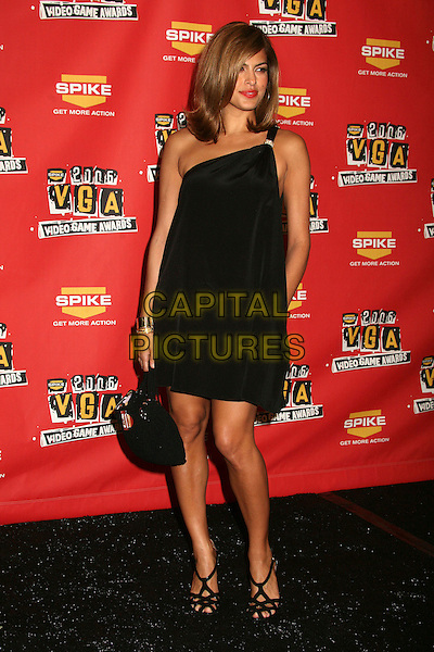 EVA MENDES.Spike TV's 2006 Video Game Awards at the Galen Center - Press Room, Los Angeles, California, USA..December 8th, 2006.full length Mendez black dress purse bag one shoulder.CAP/ADM/BP.©Byron Purvis/AdMedia/Capital Pictures