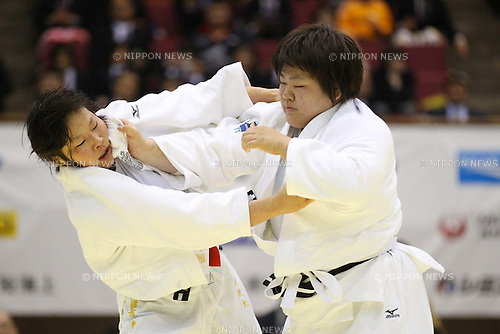 (L to R) Akari Ogata, Megumi Tachimoto, APRIL 17, 2011 - Judo : The 26th Empress Cup All Japan Women's Judo Championships Open category at Yokohamabunka Cultural Gymnasium, Kanagawa, Japan. (Photo by YUTAKA/AFLO SPORT) [1040]
