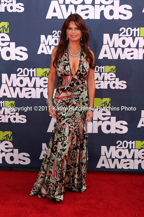 LOS ANGELES - JUN 5:  Roma Downey arriving at the the 2011 MTV Movie Awards at Gibson Ampitheatre on June 5, 2011 in Los Angeles, CA