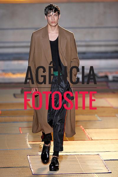 Paris, Franca &ndash; 06/2014 - Desfile de Cerrutti durante a Semana de moda masculina de Paris - Verao 2015. <br /> Foto: FOTOSITE