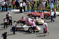 Verizon IndyCar Series<br /> Indianapolis 500 Race<br /> Indianapolis Motor Speedway, Indianapolis, IN USA<br /> Sunday 28 May 2017<br /> Tony Stewart climbs into A. J. Foyt's 1961 Indy 500 winning car for the vintage parade.<br /> World Copyright: F. Peirce Williams<br /> LAT Images