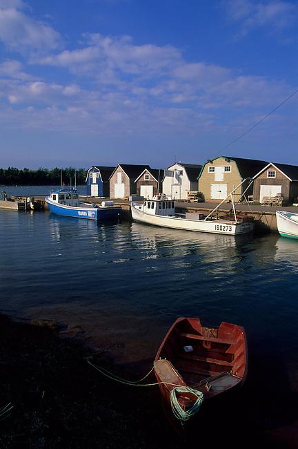 CANADA, PRINCE EDWARD ISLAND,NEAR FRENCH RIVER, SMALL FISHING HARBOR