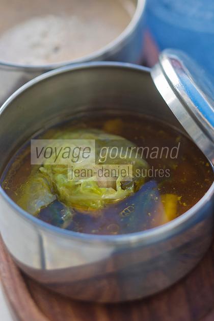 Europe/France/73/Savoie/Val d'Isère:  Bouillon de Châtaigne savec son  foie gras au chou, recette du restaurant: La Fruitière  à l'arrivée de la télécabine de la Daille,