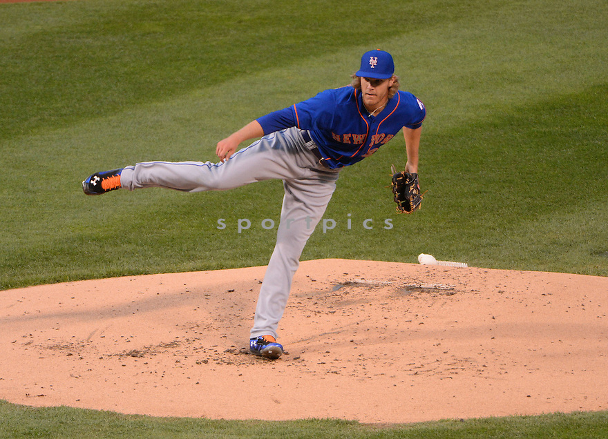 New York Mets Noah Snydergaard (34) during a game against the Chicago Cubs on May 12, 2015 at Wrigley Field in Chicago, IL. The Cubs beat the Mets 6-1.