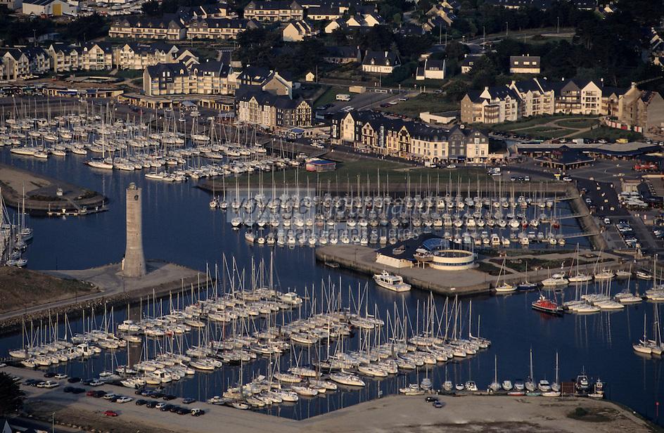 Europe/France/Bretagne/56/Morbihan/Presqu'île de Rhuys: Vue aérienne du port de plaisance