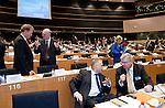 Bruessel - Belgien, 20. Januar 2014; <br /> MdB Prof. Dr. Norbert LAMMERT (2.li), Praesident des Deutschen Bundestages, nimmt im Rahmen einer Bundestagsdelegation teil an der Interparlamentarischen Konferenz zur wirtschaftlichen Steuerung der EU (siehe Artikel 13 des EU-Fiskalvertrags); hier, vor Sitzungsbeginn im kleinen Plenarsaal des Europaeischen Parlaments, mit MdB Norbert BARTHLE (li)(CDU/CSU), Leiter der Bundestagsdelegation; <br /> Photo: &copy; Horst Wagner / DBT; <br /> Tel.: +49 179 5903216; <br /> horst.wagner@skynet.be