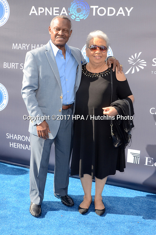 LOS ANGELES - JUN 8:  Manny Mota, Guest at the Los Angeles Dodgers Foundations 3rd Annual Blue Diamond Gala at the Dodger Stadium on June 8, 2017 in Los Angeles, CA