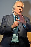(KIKA) - TORINO - 18/05/2013 A Torino si tiene il 26° Salone del Libro con esposizioni, dibattiti e grandi ospiti, al salone del Lingotto. Henry Winkler parla alla platea stracolma, dei problemi di dislessia di cui ha sofferto da bambino. Henry Winkler