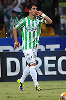 MEDELLIN - COLOMBIA -04-05-2014:Juan P Angel jugador Atletico Nacional celebra el gol anotado al Envigado FC  durante partido de vuelta entre Atletico Nacional y el Envigado FC por los cuartos de final de la Liga Postobon I 2014, jugado en el estadio Atanasio Girardot de la ciudad de Medellin. / Juan P Angel player of Atletico Naciona celebrates a scored goal to Envigado FC  during a match for the second leg between Atletico Nacional and Envigado FC for the quarter of finals the Liga Postobon I 2014 at the Atanasio Girardot stadium in Medellin city. Photo: VizzorImage. / Luis Rios / Str.
