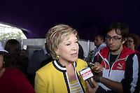 SAO PAULO, SP, 02 JUNHO 2013 - PARADA DO ORGULHO GLBT - A Ministra da Cultura Marta Suplicy durante a 17 Parada do Orgulho LGBT na Avenida Paulista, na tarde deste domingo, 02. (FOTO: MARCELO BRAMMER / BRAZIL PHOTO PRESS).