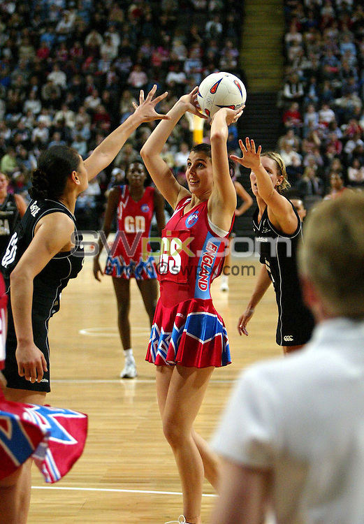 Pix: Simon Wilkinson/SWpix.com. International Netball. England v New Zealand. Test Series 2003. MEN Arena. Manchester. 24/02/03..COPYRIGHT PICTURE>>SIMON WILKINSON>>01943 436649>>..England's Abby Teare
