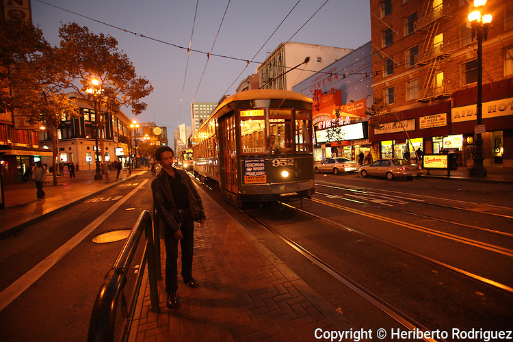 A daily life scene outside in San Francisco, November 13, 2008. Photo by Heriberto Rodriguez