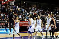 GRONINGEN - Basketbal, Donar - Vitautas, Champions League,  seizoen 2017-2018, 19-09-2017, score van Donar speler Jason Dourisseau