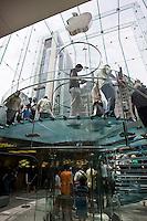 New York, Usa, Giugno 2007. Il negozio di Mac Intosh a New York