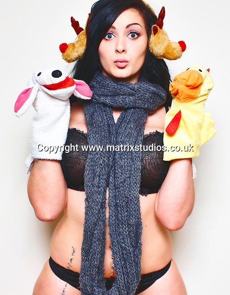EXCLUSIVE PICTURE: MATRIXSTUDIOS.CO.UK.PLEASE CREDIT ON ALL USES..WORLD RIGHTS...***FEES TO BE AGREED BEFORE USE***..Yasmine James studio shoot..REF: KKN 132590