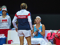 Arena Loire,  Trélazé,  France, 16 April, 2016, Semifinal FedCup, France-Netherlands, Second match: Kristina Mladenovic (FRA) on the bench with captain Amelie Mauresmo<br /> Photo: Henk Koster/Tennisimages