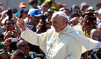 Papa Francesco tiene l'udienza generale del mercoledi' in Piazza San Pietro, Citta' del Vaticano, 11 giugno 2014.<br /> Pope Francis attends his weekly general audience in St. Peter's Square at the Vatican, 11 June 2014.<br /> UPDATE IMAGES PRESS/Isabella Bonotto<br /> <br /> STRICTLY ONLY FOR EDITORIAL USE