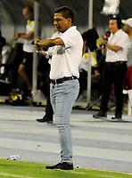 BARRANCABERMEJA-COLOMBIA, 14-02-2020: Alexis García, técnico de La Equidad, durante partido Alianza Petrolera y La Equidad, de la fecha 5 por la Liga BetPlay DIMAYOR I 2020 en el estadio Daniel Villa Zapata en la ciudad de Barrancabermeja. / Alexis García, coach of La Equidad, during a match between Alianza Petrolera and La Equidad, of the 5th date for the BetPlay DIMAYOR Leguaje I 2020 at the Daniel Villa Zapata stadium in Barrancabermeja city. Photo: VizzorImage  / José D. Martínez / Cont.