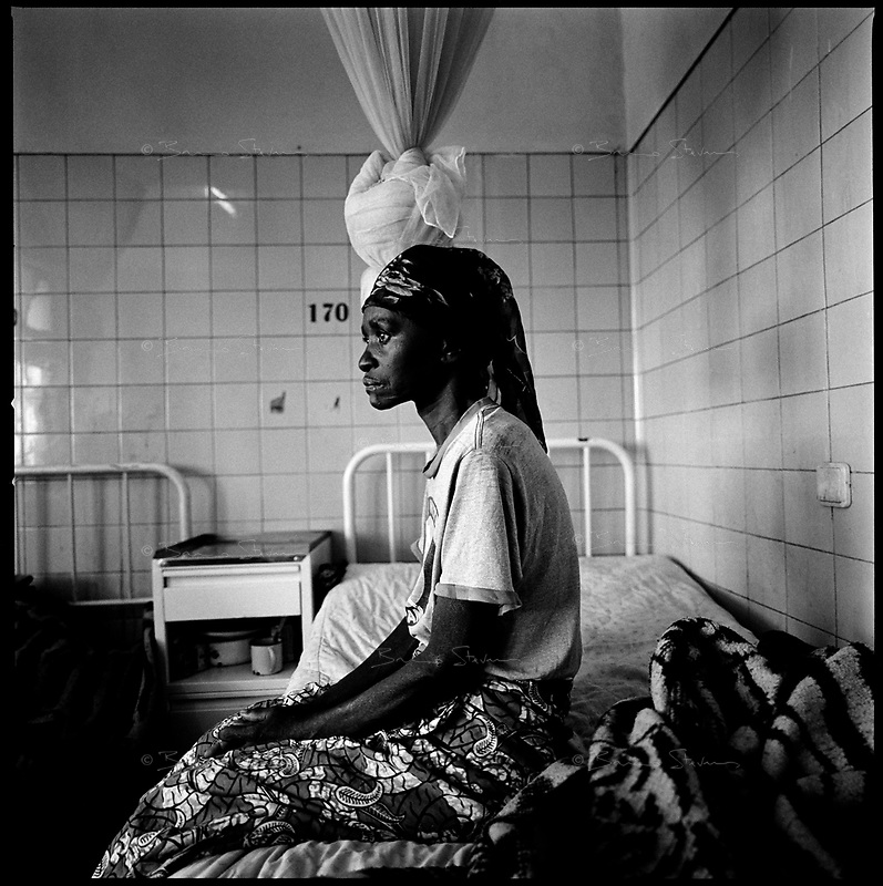 Huambo, Angola, May, 24, 2006.Rosa Kazingha, 49. More than 300 TB patients live in Huambo State Sanatorium, hundreds more are outside patients. TB is endemic in the region, fueled by poverty, malnutrition, inadequate hygiene and the rapid spreading of HIV/AIDS since the end of the civil war in 2002.