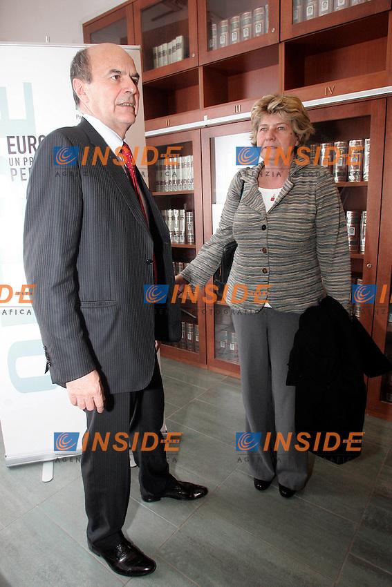 Pierluigi Bersani e Susanna Camusso.Roma 21/03/2011 Incontro tra Partito Democratico e parti sociali sul.Programma Nazionale di Riforme.Photo Zucchi/Insidefoto
