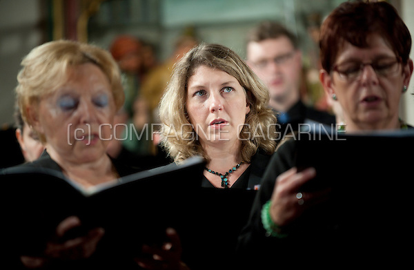 The Koordinaat chambre choir and vocAmuze choir performing the Noorderlicht concert in Burcht (Belgium, 14/11/2015)