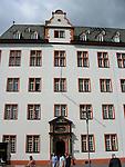 Old University of Mainz<br /> <br /> Universidad Antigua de Maguncia<br /> <br /> Alte Universit&auml;t Mainz, noch ohne die Dachreiter<br /> <br /> 2272 x 1704 px<br /> 150 dpi: 38,47 x 28,85 cm<br /> 300 dpi: 19,24 x 14,43 cm