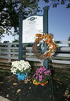 John Henry's memorials and grave, October 11, 2007, Kentucky