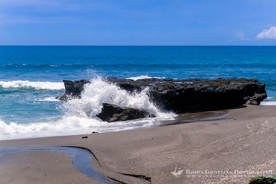 Bali, Badung, Canggu. Enjoy blue sky and sea at Canggu.