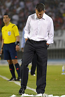 BARRANQUIILLA -COLOMBIA-18-05-2014. Juan Carlos Osorio director tecnico  del Atletico Nacional  en accion   contra el Atletico Junior partido valido por la final de la Liga Postob—n 2014-1 jugado en el estadio Metropolitano Roberto Melendez de la ciudad de Barranquilla./ Atletico Nacional  coach Juan Carlos Osorio  in action against Atletico Junior  valid match for the end of the 2014-1 League Postob—n played in Metropolitan Stadium Roberto Melendez in Barranquilla.  Photo: VizzorImage / Alfonso Cervantes / STR.
