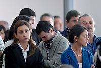 L'Aquila. la seconda udienza del processo alla commissione grandi rischi. 1°ottobre 2011. Un gruppo di ragazzi della Casa dello Studente , costituitisi parte civile, assiste  al processo.