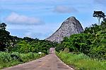Estrada MG-105 em Pedra Azul. Minas Gerais. 2012. Foto de Alberto Viana.