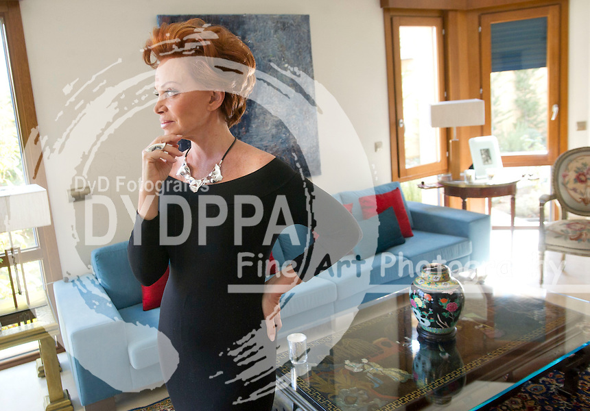 06/03/2012. MADRID. SPAIN. THE SPANISH SINGER PALOMA SAN BASILIO, IN HER NEW HOUSE IN MADRID. (C) Belen D. Alonso / DyD Fotografos