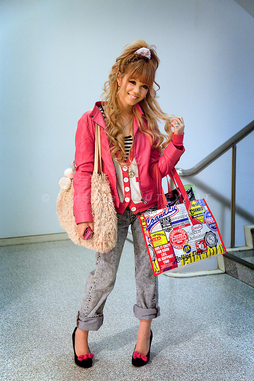 (Eng) Tokyo, March 8, 2010 - At the &quot;109&quot; shop in the Shibuya district. Taeko, 22, comes often for her shopping in this fashion temple.<br /> <br /> (Fr)Tokyo, 8 mars 2010 - Au &quot;109&quot; dans le quartier de Shibuya. Taeko, 22 ans, vient de faire ses achats dans ce temple de la mode tokyoite.