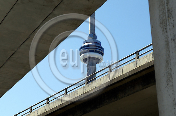 Toronto, Ontario, Canada - 08 August 2006 -- CN Tower and Gardiner Expressway on pylons -- landmark, infrastructure, architecture -- Photo: Horst Wagner / eup-images