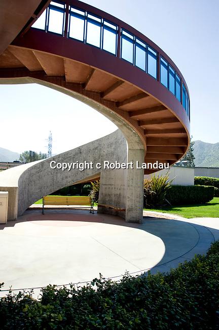 House Robertson Archit/ Disney Bridge