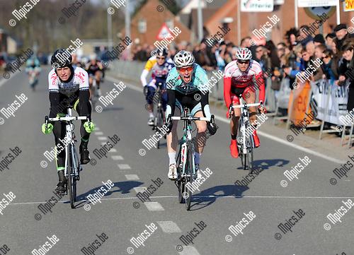 2013-04-01 / Wielrennen / seizoen 2013 / Elite zc. Retie / Jeroen Eyskens uit Lille won de spurt van de vluchters..Foto: Mpics.be