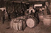 Europe/France/Centre/37/Indre-et-Loire/Vouvray: Ecomusée - Vieille carte postale - Chai à barriques vers 1920
