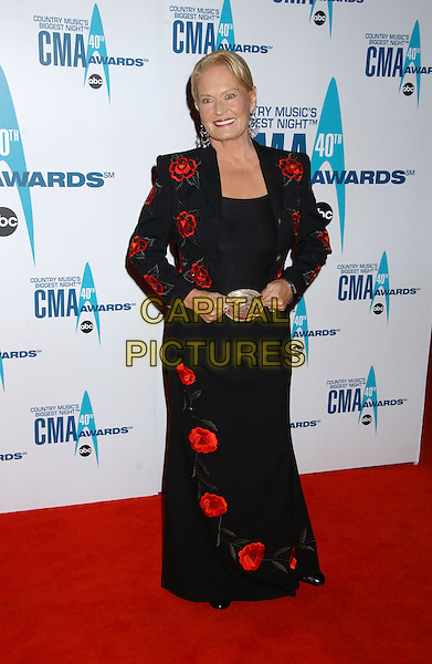 LYNN ANDERSON.40th Annual CMA Awards held at Gaylord Entertainment Center, Nashville, Tennessee, USA..November 6th, 2006.Ref: ADM/LF.full length black red floral print dress.www.capitalpictures.com.sales@capitalpictures.com.©Laura Farr/AdMedia/Capital Pictures.