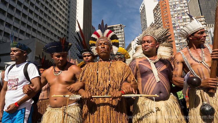 Cúpula dos Povos,Rio de Janeiro .Cúpula dos Povos . Indios de várias etnias ocupam BNDES em protesto contra financiamento de usinas hidroelétricas..