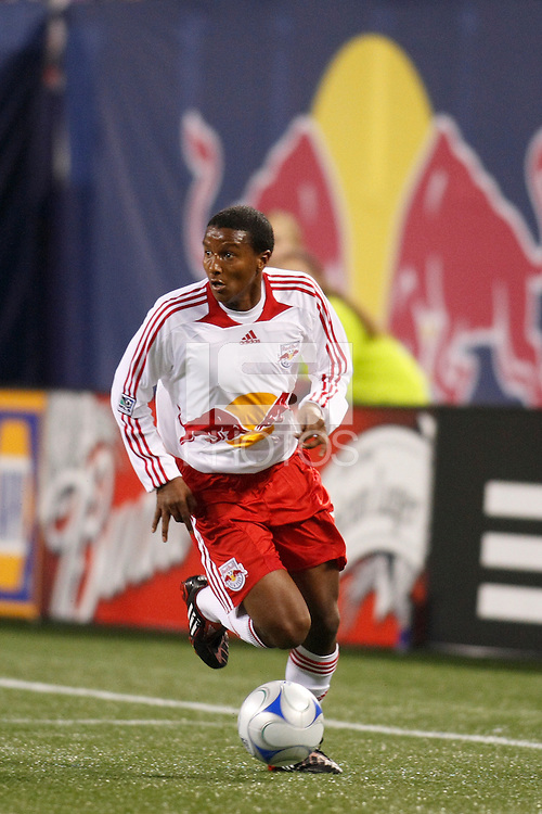 New York Red Bulls midfielder Danleigh Borman (12). The New York Red Bulls defeated the Columbus Crew 2-0 during a Major League Soccer match at Giants Stadium in East Rutherford, NJ, on April 5, 2008.