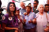 ATENCAO EDITOR: FOTO EMBARGADA PARA VEICULOS INTERNACIONAIS. - SAO PAULO, SP, 10 DE SETEMBRO 2012 - ELEICOES 2012 -  FERNANDO HADDAD  - Suplicy e Leci Brandao particpam junto com o Candidato do PT a prefeitura de Sao Paulo,  da Caminhada do Dia Lilás com mulheres, pelas ruas do centro da capital paulista - segunda-feira, 10  - FOTO LOLA OLIVEIRA - BRAIL PHOTO PRESS