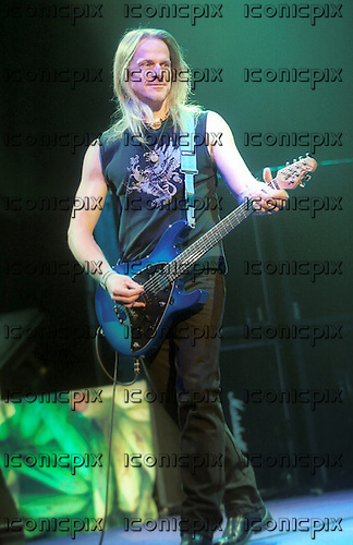 DEEP PURPLE - guitarist Steve Morse - performing live at the Orphuem Theatre in Vancouver, Canada - 8 February 2004.  Photo credit: Ashley Maile/IconicPix © Ashley Maile **NO WEBSITES**