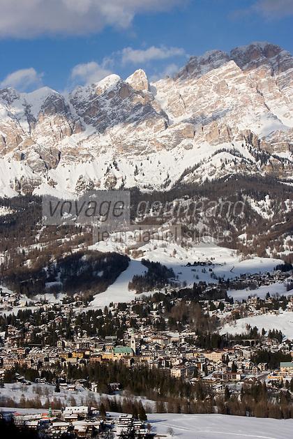 Europe/Italie/Vénétie/Dolomites/Cortina d'Ampezzo: la station et le massif des Dolomites