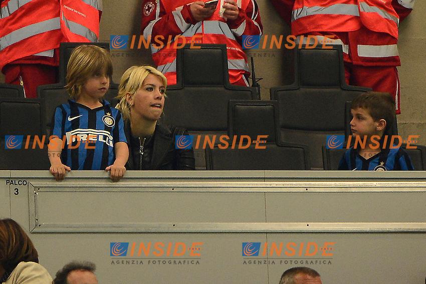 Wanda Nara con il figlio Valentino Lopez<br /> Milano 23-04-2016 Stadio Giuseppe Meazza - Football Calcio Serie A Inter - Udinese. Foto Giuseppe Celeste / Insidefoto