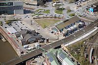 Deichtorhallen : DEUTSCHLAND, HAMBURG 20.04.2015 : Die Deichtorhallen in Hamburg.  Ausstellungshaeusern für zeitgenoessische Kunst und Fotografie Die beiden historischen Hallen mit ihrer offenen Stahlglasarchitektur wurden von 1911 bis 1913 gebaut. Sie stehen in der Naehe der Hafencity.
