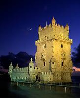 Portugal, Belém: Torre de Belém am Abend (manuelinischer Baustil 16. Jh) | Portugal, Belém: Torre de Belém at dusk